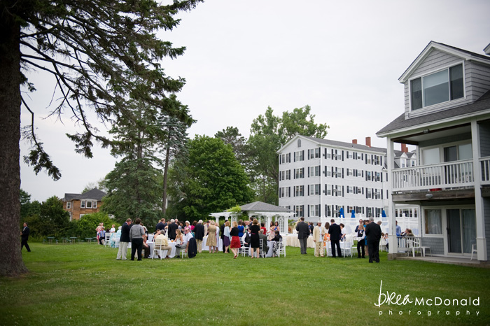 kennebunkport maine wedding at the nonantum wedding photographer brea mcdonald photography seaside wedding oceanside wedding