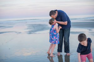 Wells Maine family beach portrait photographed by Brea McDonald Photography coastal maine family beach portrait cosstal maine family portrait photography wells maine family beach portraits