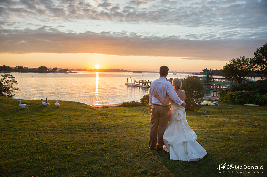 inn on peaks island peaks island maine wedding with wedding photographer brea mcdonald of brea mcdonald photography costal maine wedding with florals by flora fauna maine wedding new england wedding seaside island wedding